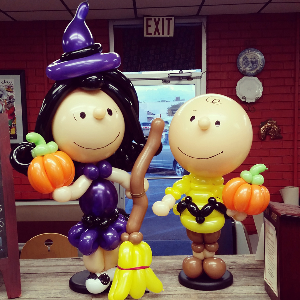 Stephanie Morace of Balloonatics Charlie Brown Balloon Art